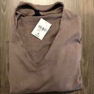 New with tags never wore dark pink sweatshirt